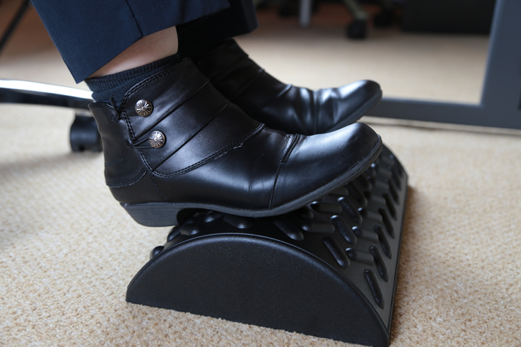 Ergo foot massage surface